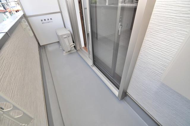 クリエオーレ巽南 バルコニーは陽当たりが良く、洗濯物も気持ち良く乾きます。