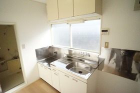 https://image.rentersnet.jp/f3e5d0c0-0fbf-4bb1-81ea-db9676be0ffd_property_picture_956_large.jpg_cap_キレイなキッチンです。ガスコンロ付きます。