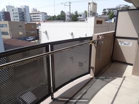 https://image.rentersnet.jp/f3e9e272-64f0-4dd6-9d0d-bfcc62933fe5_property_picture_2418_large.jpg_cap_設備
