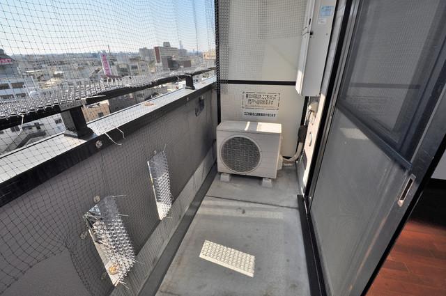 リュミエールイースト バルコニーは陽当たりが良く、洗濯物も気持ち良く乾きます。