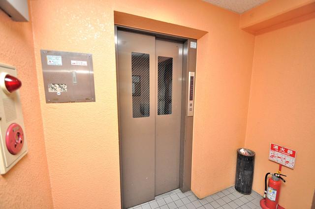 フローラ ラポルテ 嬉しい事にエレベーターがあります。重い荷物を持っていても安心