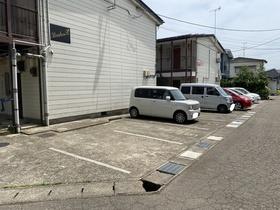 https://image.rentersnet.jp/f43d35e9-6840-4bbd-afd3-15a536812b9c_property_picture_953_large.jpg_cap_駐車場