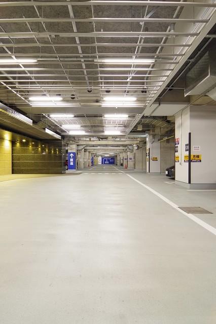 ラ・トゥール新宿グランド駐車場