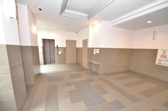 ピアレゾン新今里 エレベーターホールもオシャレで、綺麗に片づけられています。