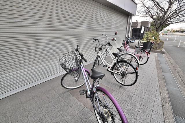 サンパティック 駐輪場が敷地内にあります。愛車を安心して置いておけますね。
