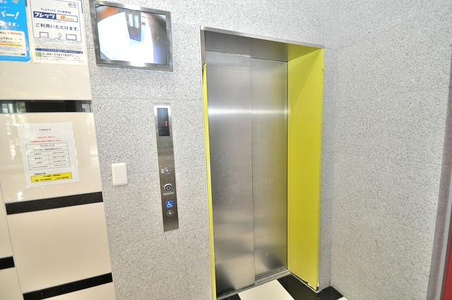 ヴェルテックス 嬉しい事にエレベーターがあります。重い荷物を持っていても安心