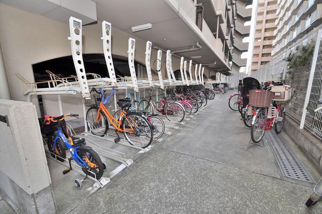 友井グレイス 広い駐輪スペースは、置き場を探すこともなくなりますね。