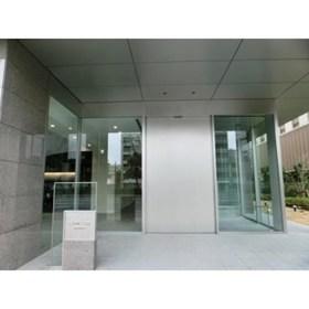 豊洲駅 徒歩2分エントランス