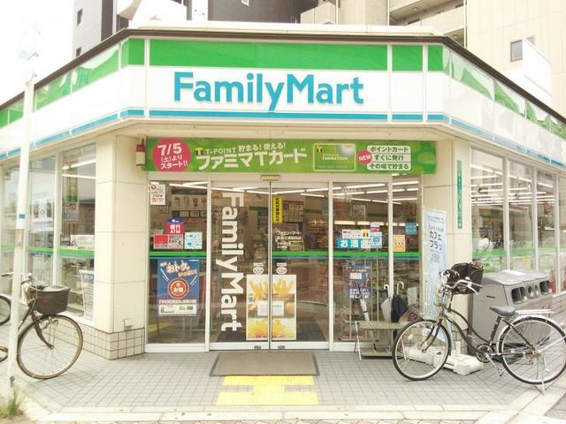 ファミリーマート阪急三国駅西店