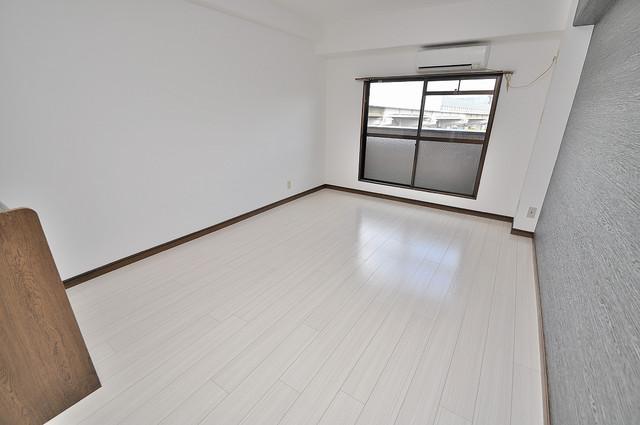 エイチ・ツーオー高井田ビル 明るいお部屋はゆったりとしていて、心地よい空間です