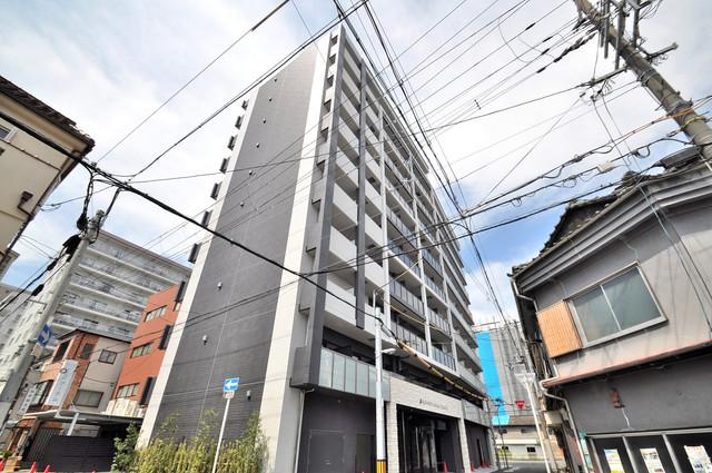 アドバンス大阪フェリシア オシャレな外観。毎日の帰宅がとても楽しくなりそうです。
