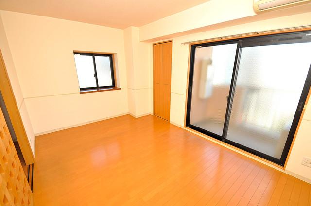 アンソレイユ菱屋西 窓があるので風通しが良く、快適な睡眠がとれそうですね。