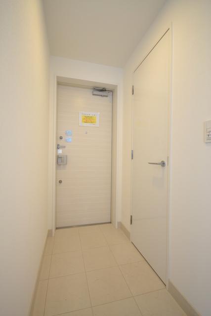 田町駅 徒歩7分玄関