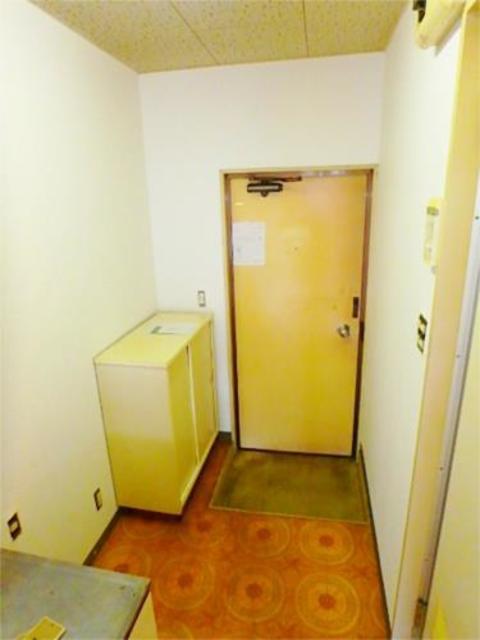 ストークマンション小磯2玄関