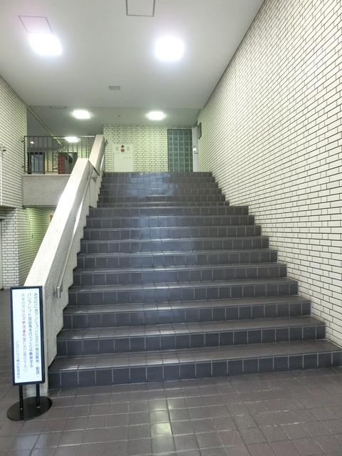 シルクハウス横浜エントランス