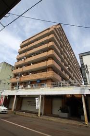 https://image.rentersnet.jp/f6c4dd5cb588a08565e8edc28e666da9_property_picture_955_large.jpg_cap_外観