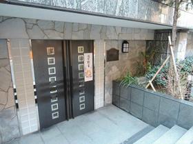 八丁堀駅 徒歩2分エントランス