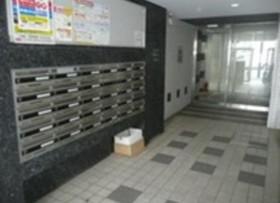 高田馬場駅 徒歩8分エントランス