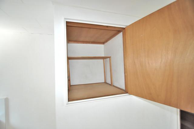 太平寺2丁目 連棟住宅 天袋があるので普段使わない物もタップリ収納できます。