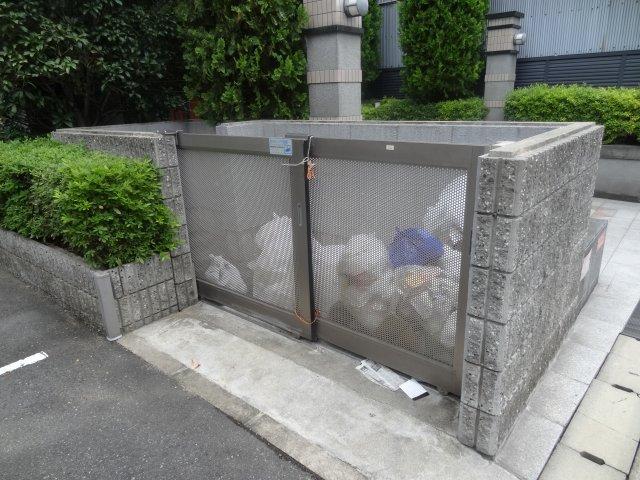 ゴミ置き場