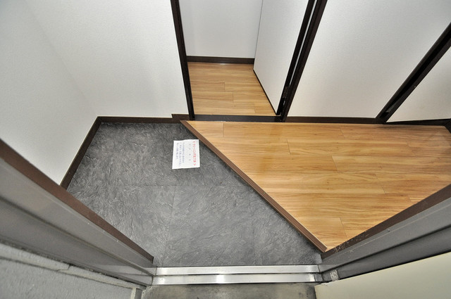 クリスタルアーク 素敵な玄関は毎朝あなたを元気に送りだしてくれますよ。