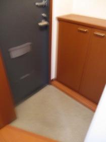 https://image.rentersnet.jp/f72035dd-d4e1-4442-a6ae-a03c12212e57_property_picture_959_large.jpg_cap_玄関