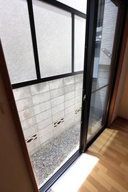 ファベルジュ遠山 102号室