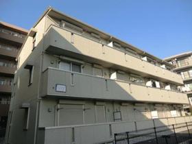 KSシャンブル8シンプルでお洒落な外観の3階建てアパートです