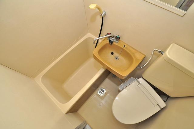 フローラ ラポルテ シャワー1本で水回りが簡単に掃除できますね。