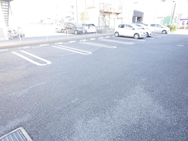 グランツフィオーレ駐車場