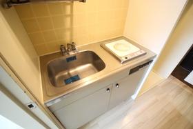 https://image.rentersnet.jp/f8887668-8b5a-49f3-9e6d-59e0cd5608ed_property_picture_2418_large.jpg_cap_キッチン