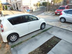 フラットパーシモ駐車場