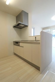 https://image.rentersnet.jp/f89593e9-54cb-43d9-9663-be6ab287b684_property_picture_9494_large.jpg_cap_キッチン