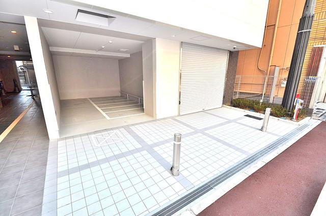 プレシオ小阪 エントランス周辺はいつも綺麗に清掃されています