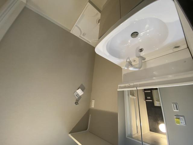 ステディ八戸の里 洗濯機置場が室内にあると本当に助かりますよね。