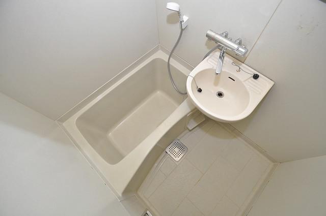 プレジデント楠 ちょうどいいサイズのお風呂です。お掃除も楽にできますよ。