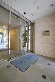 泉岳寺駅 徒歩14分エントランス