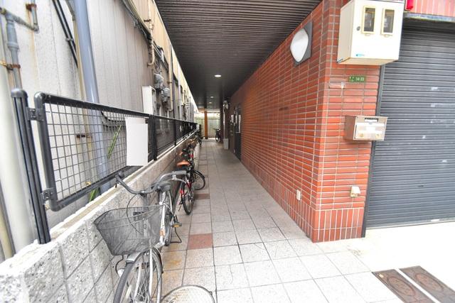 荻田第6ビル 奥行きのある広いロビーはいつも綺麗に片づけられています。