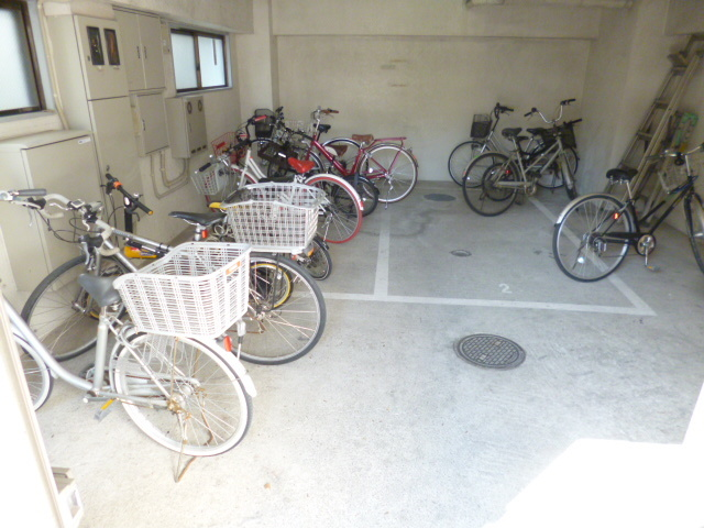 スカイコート武蔵浦和駐車場