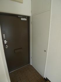 フォレストヒルズ 301号室
