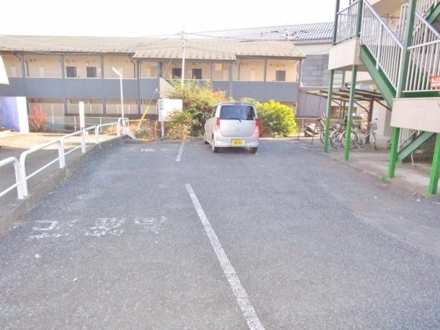 サードフロンティア駐車場