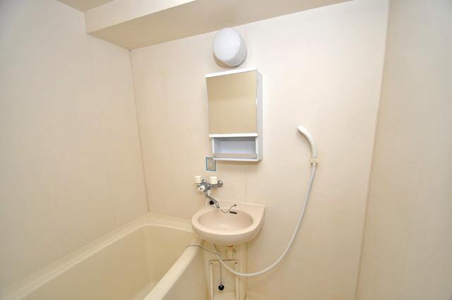 クリスタルアーク 可愛いいサイズの洗面台ですが、機能性はすごいんですよ。
