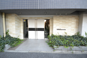 中目黒駅 徒歩7分エントランス