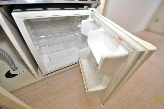サンフォレスト布施 キッチンの下にはかわいいミニ冷蔵庫付きです。得した気分です