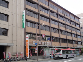 https://image.rentersnet.jp/fa2257e072f89661209ef8e315b984a3_property_picture_2418_large.jpg_cap_新潟中央郵便局
