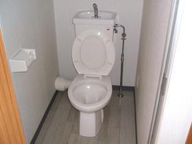 https://image.rentersnet.jp/fa803227-d8cb-4cad-806b-d1ed0f470c41_property_picture_958_large.jpg_cap_トイレ