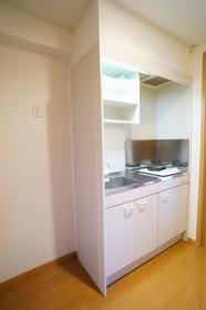 https://image.rentersnet.jp/fa89d54d-999f-4ce1-8ba5-3d6906565083_property_picture_960_large.jpg_cap_他号室。参考写真