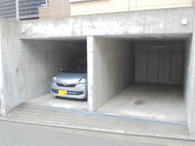 パインツリー駐車場
