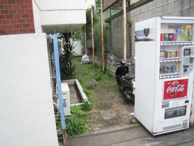 スカイコート新宿駐車場