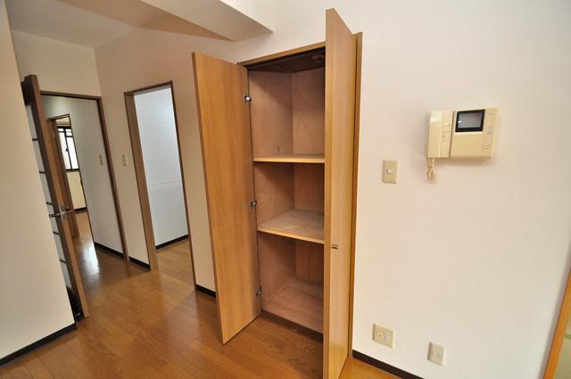 カーサヴェルデ 各部屋に収納があるので、お荷物が多い方も安心ですね。